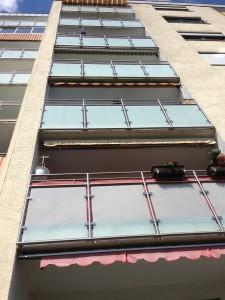 Balkongeländer mit Glaseinsatz